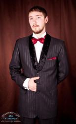 приталенный смокинг с бархатной шалькой и др.костюмы мужчине
